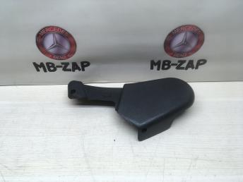 Панель сиденья правая боковая W203 2039180230