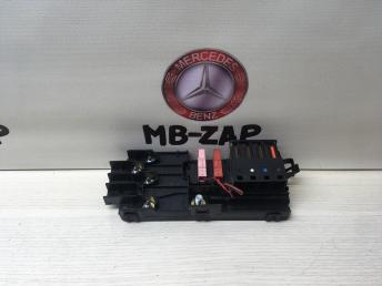 Блок силовых предохранителей Mercedes W211 2115452601