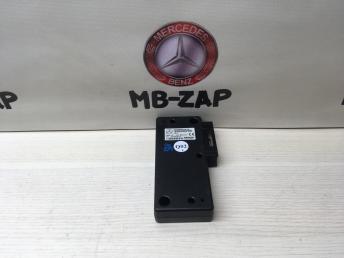 Блок управления телефоном Mercedes W203 2038209926