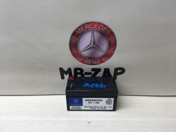 Дополнительный аккумулятор Mercedes W212 000000004039