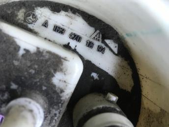 Топливный насос Mercedes W163 1634701894