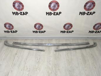 Хромированный молдинг бампера Mercedes W210 2108800236
