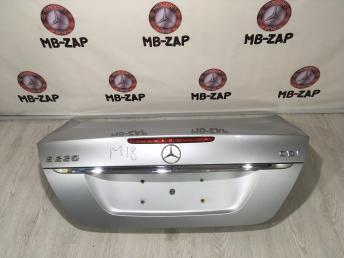Крышка багажника Mercedes W211 2117500375