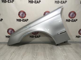 Крыло левое Mercedes W211 2118801318