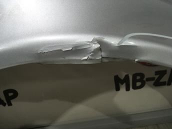 Крыло правое Mercedes W211 2118801418