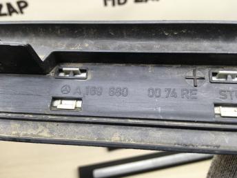 Накладка порога внутренняя Mercedes W245 1696800774