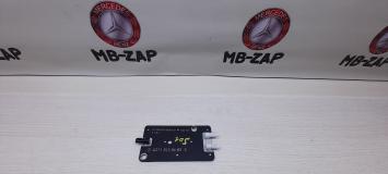 Антенный разветвитель Mercedes W211 Япония 2118208689