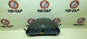 Панель приборов Mercedes W203 2035402548
