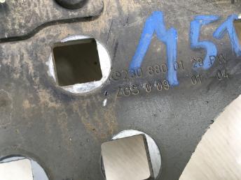 Петля капота с амортизатором Mercedes W230 2308800128