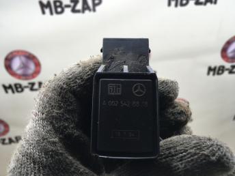 Датчик дорожного просвета Mercedes W221 0025428818