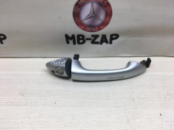 Ручка двери наружная правая Mercedes X164 1647660201