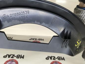 Кожух панели приборов Mercedes W211 Япония 2116890539