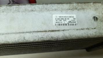 Интеркулер Мерседес W203 2035000500