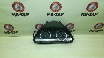 Панель приборов Mercedes W203 2035401048