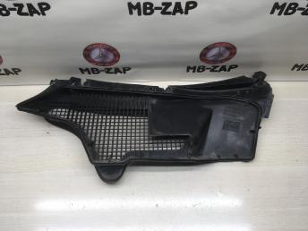 Решетка стеклоочистителя Mercedes W210 2108301213