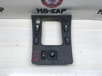 Накладка АКПП с блоком кнопок Mercedes W210 2106807239