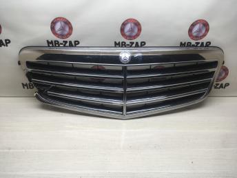 Решетка радиатора Mercedes W212 2128800583