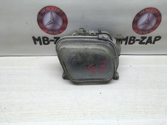 Противотуманная фара правая Mercedes W210 2108200256