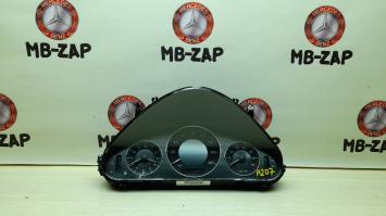 Панель приборов Mercedes W211 2115400423