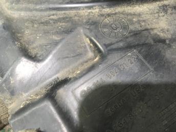 Передний подкрылок Mercedes W164 1648840122