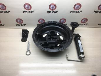 Дорожный набор инструментов Mercedes W209 2098980207