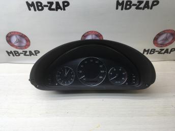 Панель приборов Mercedes W209 2095407211