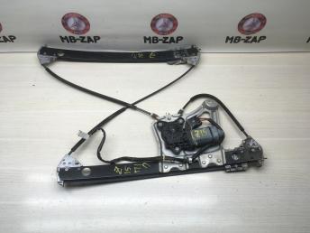 Стеклоподъемник передний правый Mercedes W220 2207200446