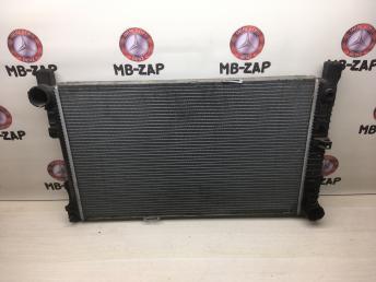 Радиатор охлаждения основной Mercedes W209 2035001354