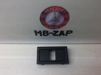 Заглушка замка багажника Mercedes W219 2196900041