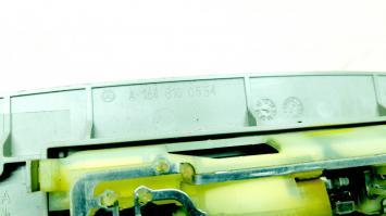 Ручки потолочные Mercedes W164 1648100554