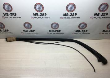 Декоративная накладка заднего стекла Mercedes W210 2106981189
