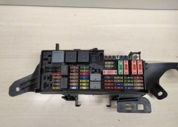 Блок предохранителя задний Mercedes Х164  А1645403072 А1645403072