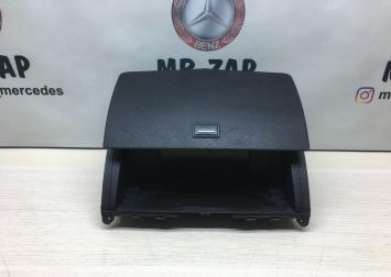 Дисплей центральный Mercedes W204 2046801231
