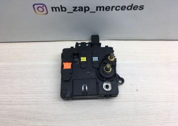 Блок предохранителей Mercedes W220 2205460641