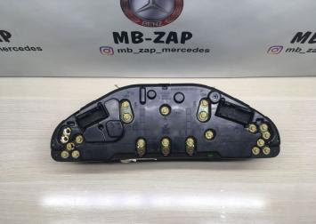 Приборная панель на Mercedes W210  А2105409647 А2105409647