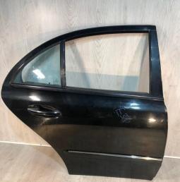Дверь задняя правая Mercedes W211 черная 2117300205