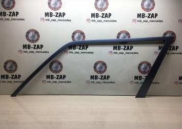 Облицовка рамы окна передней двери Mercedes W124 1247250171