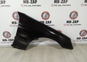Крыло переднее правое Mercedes W203 2038800218