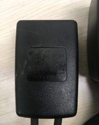 Пряжка сиденья задняя правая Mercedes W210 2108600769