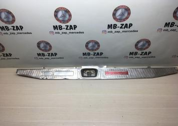 Накладка багажного отделения Mercedes W124 1246980089