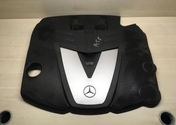 Крышка двигателя (накладка) Mercedes om642  A6420101867