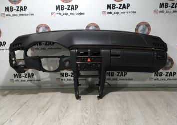 Панель приборная Mercedes W210 2106803787 2106800439