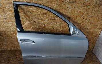 Дверь передняя правая Mercedes W211 368U  2117201405