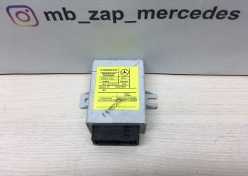Блок электронный Mercedes W220 0038200126