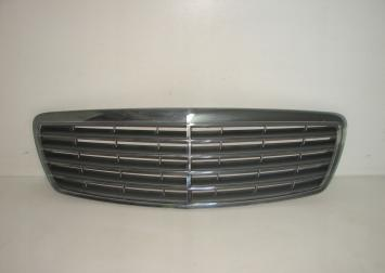 Решетка радиатора Mercedes W211 дорестайл