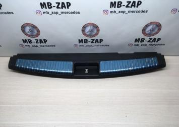Обшивка порога багажника Mercedes W164 1646900987