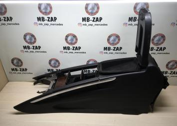 Подлокотник Mercedes W164 1646801052