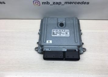 Блок управления двс Mercedes Om642 6421503972