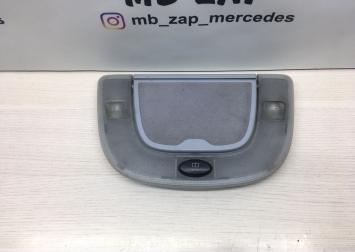 Плафон задний с косметическим зеркалом Mercedes 2208200301