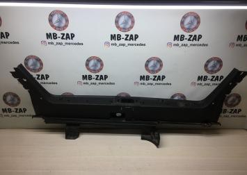 Накладка багажника внутренняя Mercedes W210 2106900025